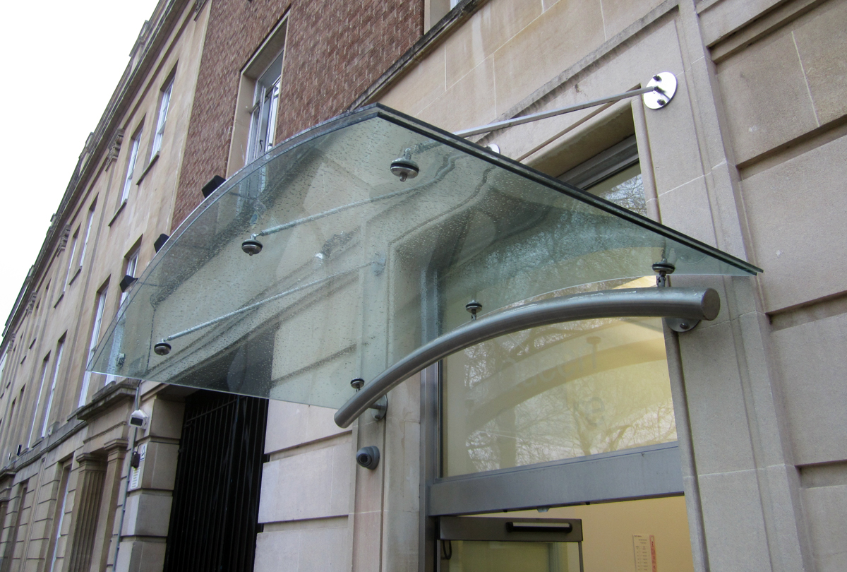Curved laminated glass canopy Bristol & Veon Glass | Bespoke Structural Glass Solutions u2013 Curved laminated ...