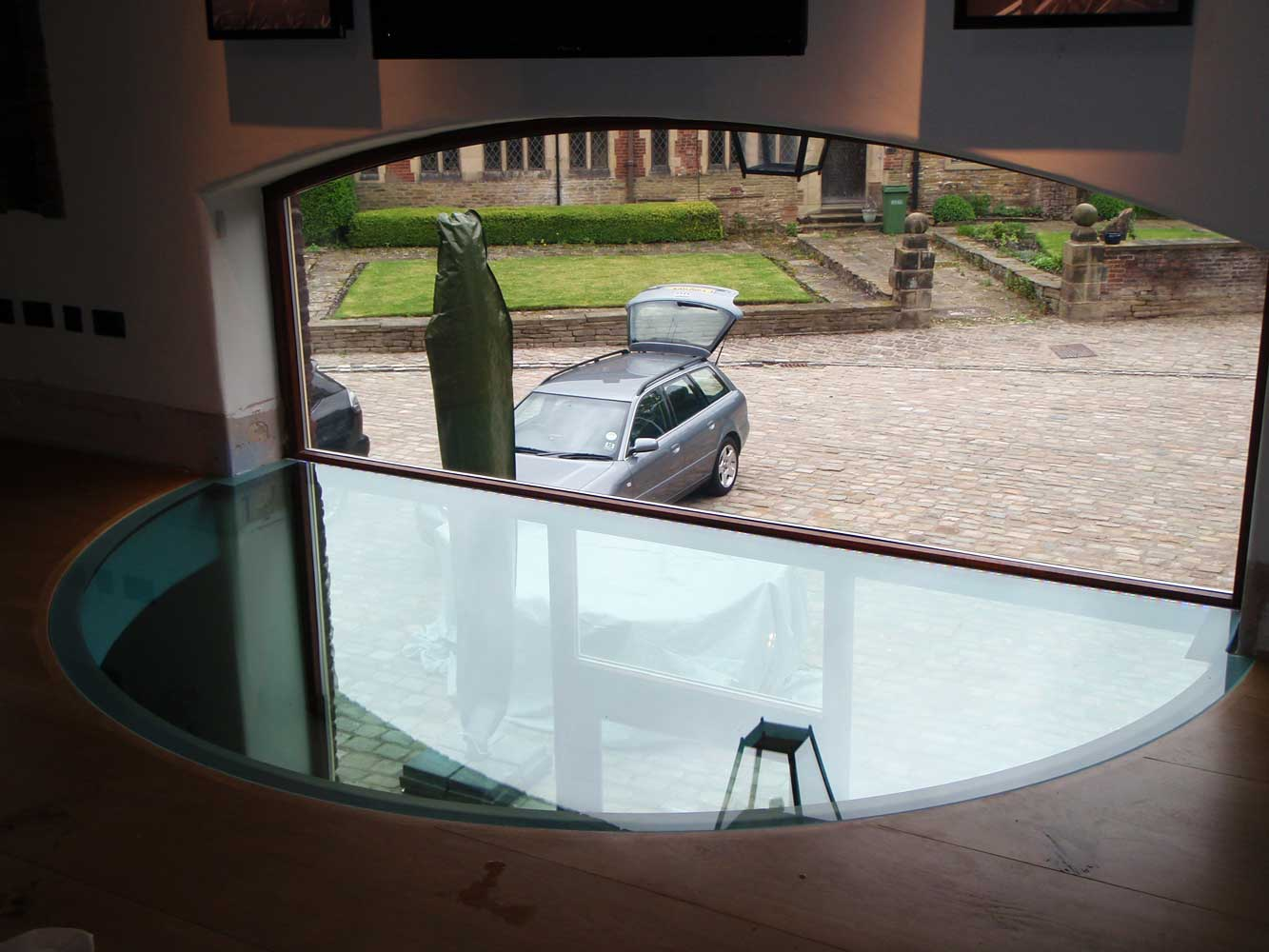 Laminated Glass Flooring Service : Veon glass bespoke structural solutions