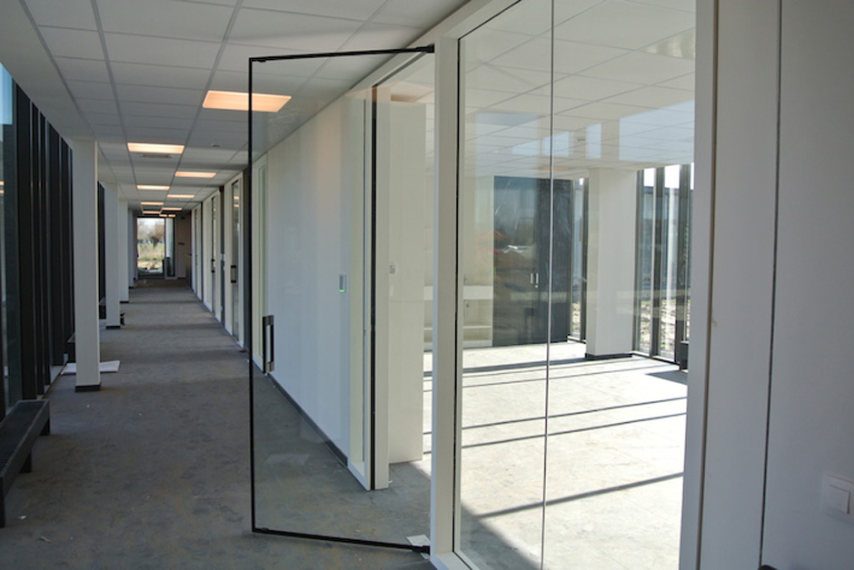 Veon Glass Bespoke Structural Glass Solutions Lunax