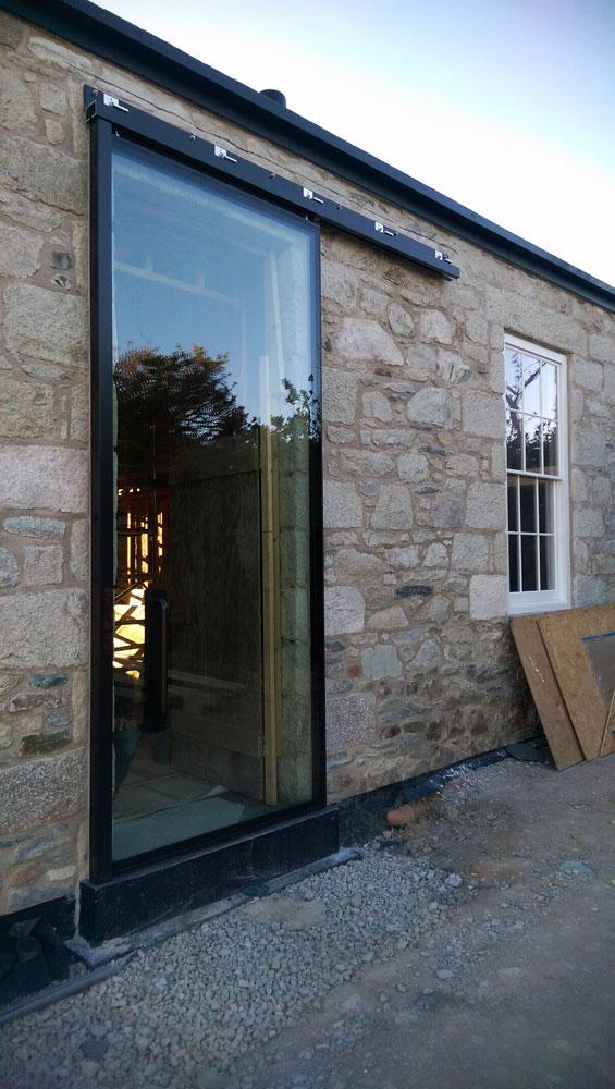 Veon glass bespoke structural glass solutions veon ltd bespoke veon ltd bespoke glass sliding door cornwall 02 planetlyrics Choice Image
